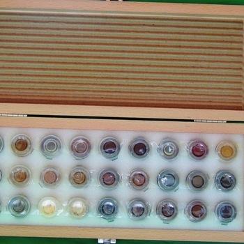 Retoucheerdoos op schelakbasis met 27 x 3 ml kleuren