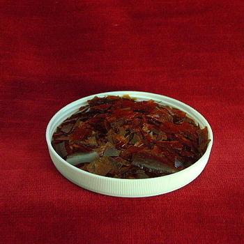 Shellac flakes gold orange n° 440 ZTN wax and resin free per kilo